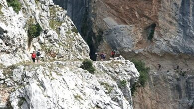 Muere una mujer de 65 años al despeñarse cuando recorría la ruta del Cares (Asturias)