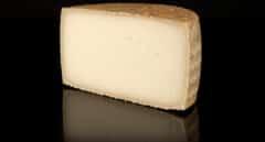 Sanidad retira otros 13 lotes de queso por presencia de listeria y escherichia coli