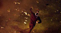 Galería: las brutales imágenes de la batalla campal de la Plaza Urquinaona