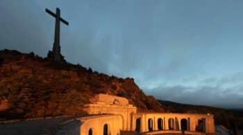La cruz, los monjes y Primo de Rivera: las decisiones sobre el Valle de los Caídos que tendrá que tomar Sánchez