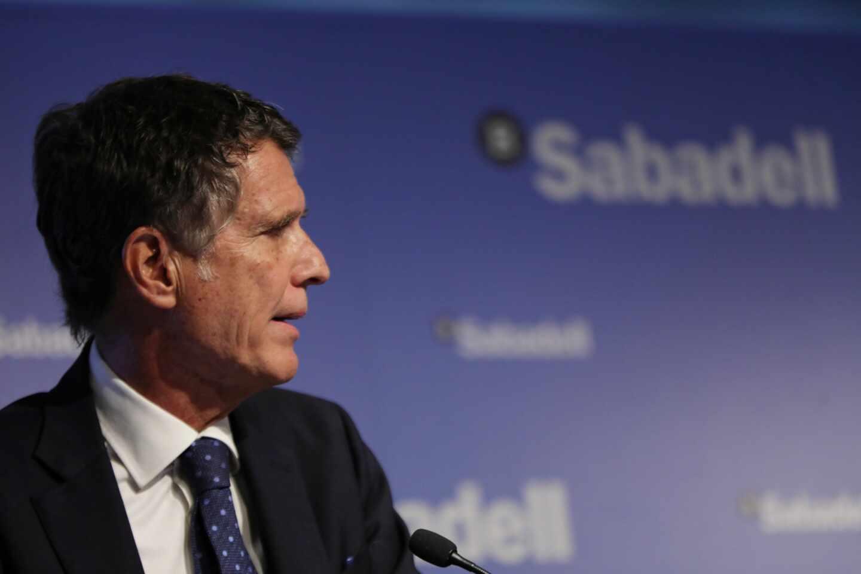Sabadell no se siente presionado para fusionarse y cree que terminará 2020 en beneficio