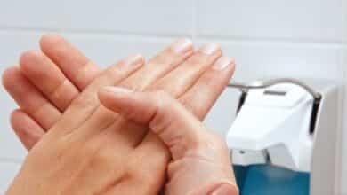 Cómo evitar llevar las manos a la cara y prevenir el coronavirus