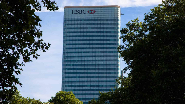 HSBC planea recortar hasta 10.000 empleos.