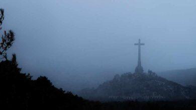 Españoles... Franco sale del Valle de los Caídos