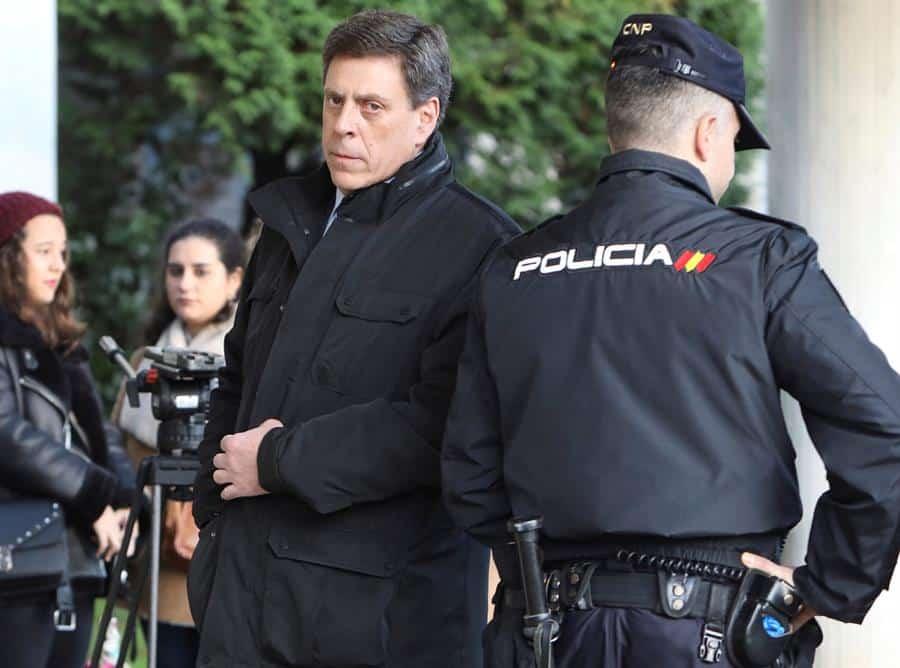 """Expulsan de la sala a Juan Carlos Quer por increpar al Chicle: """"¡Podía haber sido tu hija!"""""""