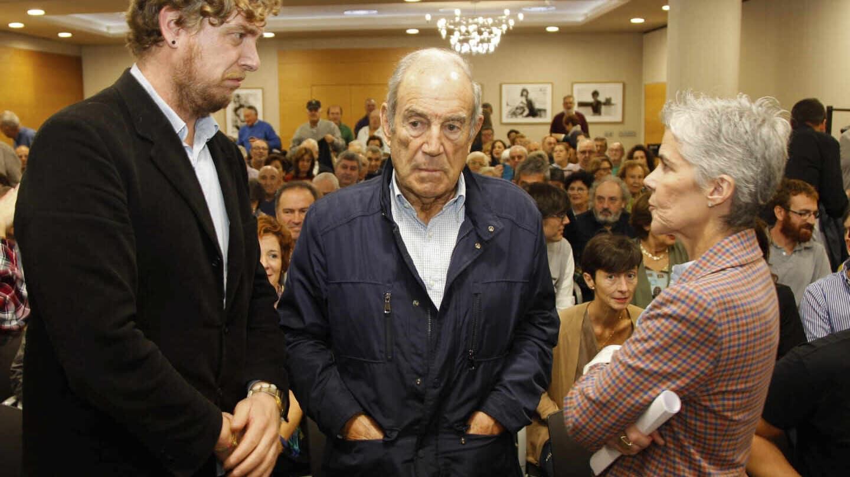 Maiorga Ramírez y Carlos Garaikoetxea, durante una reunión del sector crítico de EA.