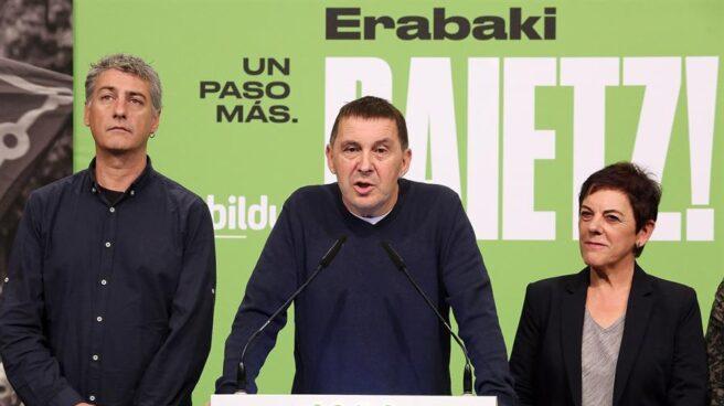 Arnaldo Otegi durante su comparecencia en la noche electoral del 10 de noviembre.