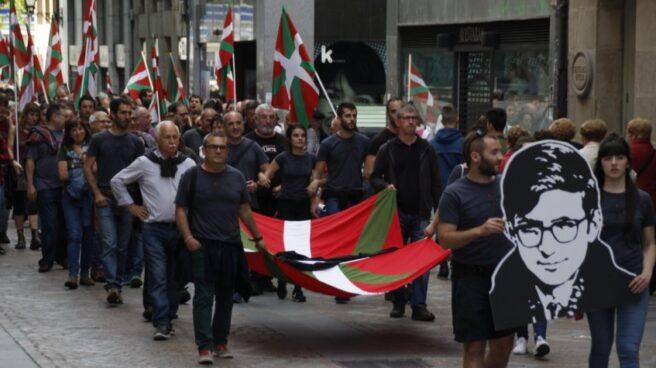 Marcha en recuerdo de Txabi Etxebarrieta, el primer miembro de ETA que asesinó y el primer militante de la banda muerto.
