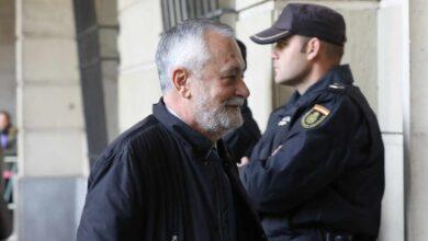 Griñán, condenado a 6 años de prisión por el fraude de los ERE; Chaves, inhabilitado