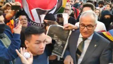 """Los radicales impiden a Josep Bou acceder al acto del Rey: """"Me han escupido e insultado"""""""