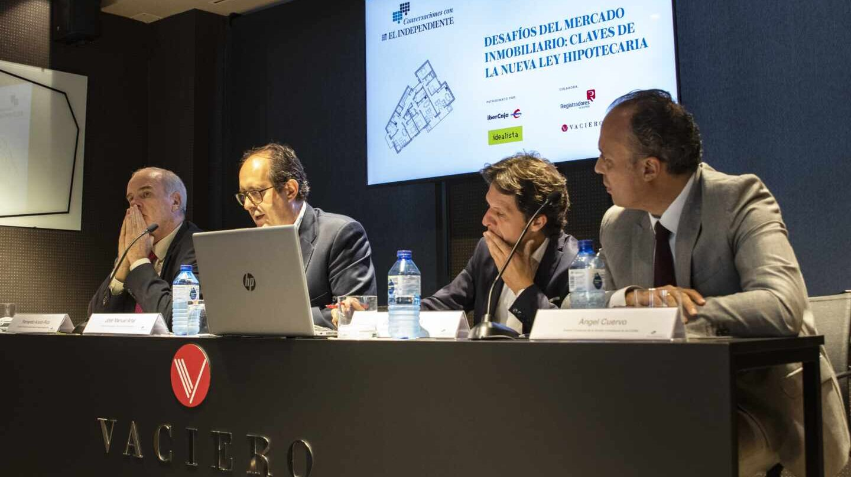 Los ponentes debatieron en la sede de Vaciero sobre la nueva ley hipotecaria