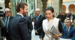 Casado junto a Rocío Monasterio en el acto de Violencia de Género en la Comunidad de Madrid