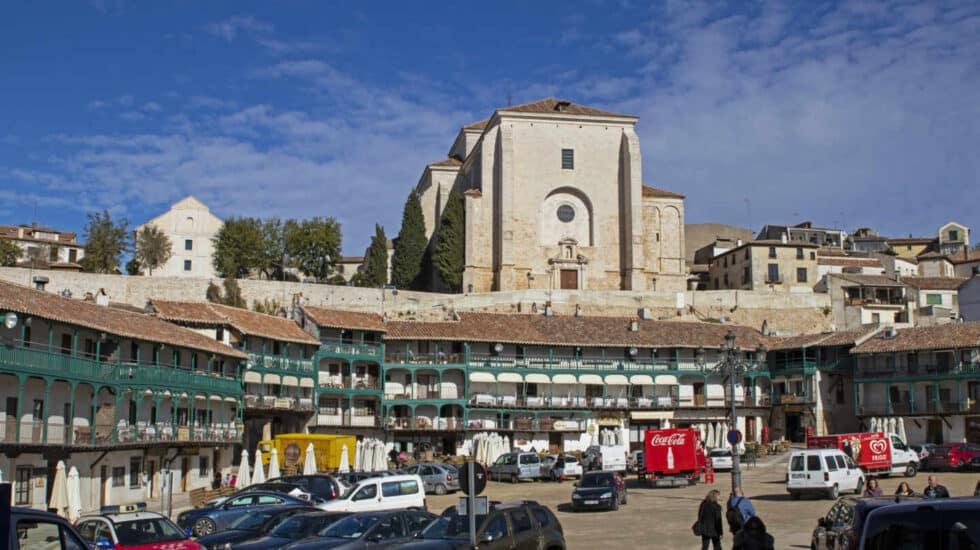 La Plaza Mayor de Chinchón, el corazón del pueblo madrileño