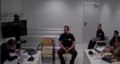 El juez compara a los CDR con islamistas violentos pero les deja en libertad bajo fianza