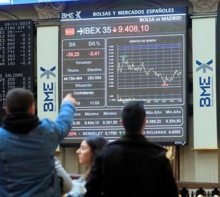 El Ibex cierra con la peor caída en lo que va de año tras perder un 2,89%
