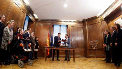 Sánchez cierra en una jornada maratoniana la mayoría para gobernar