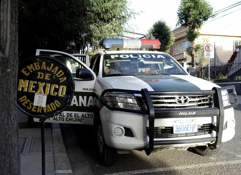 Policías piden a la ministra de Exteriores que actúe para garantizar la seguridad de los GEO en Bolivia