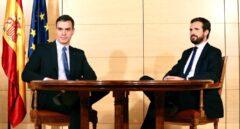 Sánchez esconde sus cartas: no aludió a los Pactos de la Moncloa en su conversación con Casado