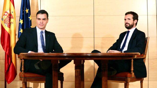 Enorme frialdad en la reunión entre Sánchez y Casado