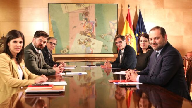 Equipos negociadores del PSOE y ERC.