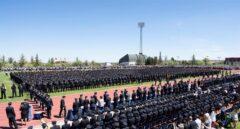 Policías nacionales, en un acto de graduación en la Escuela de Ávila.