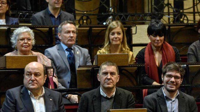 """Podemos, PNV y Bildu, contra el juicio a los acusados de ser 'correos' de ETA: """"Es un anacronismo"""""""