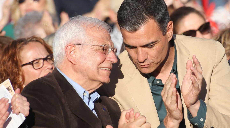 Josep Borrell y Pedro Sánchez.