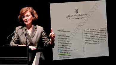 Carmen Calvo participó en la reunión que autorizó el préstamo por el que el juez investiga a Chaves