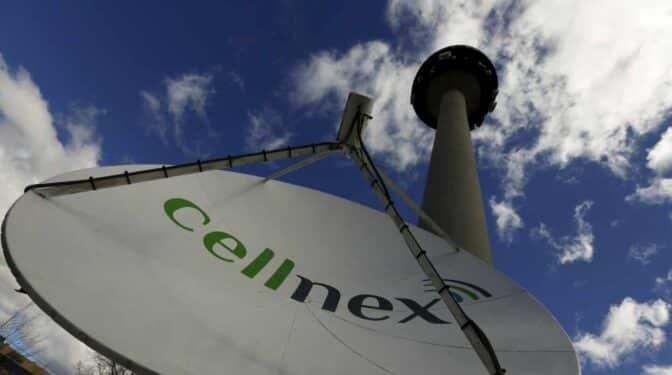 Cellnex cumple sus previsiones aunque pierde 43 millones