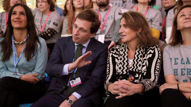 El alcalde de Madrid, José Luis Martínez-Almeida junto a la ministra para la Transición Ecológica, Teresa Ribera.