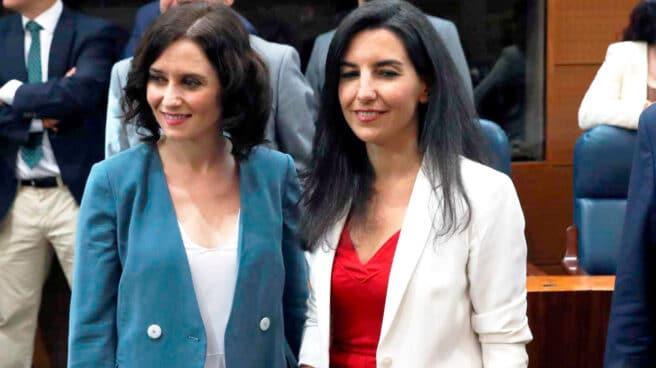 Imagen de Isabel Díaz Ayuso junto a la portavoz de Vox en la Asamblea, Rocío Monasterio
