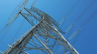 España maniobra para no disparar el precio máximo de la electricidad como exige la UE