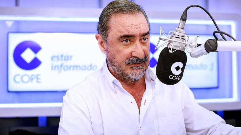 """Carlos Herrera seguirá en la COPE hasta 2025: """"En casa me iba a aburrir mucho"""""""