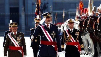 """El Rey destaca el """"compromiso"""" de las Fuerzas Armadas y la Guardia Civil con la Constitución"""