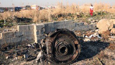 Un vídeo muestra cómo el avión de Ukraine Airlines recibe el impacto de un misil