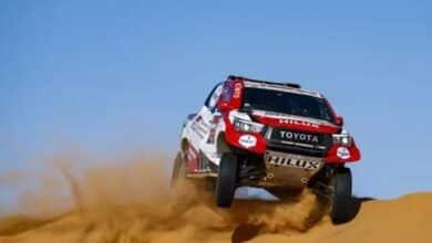 Fernando Alonso vuelca y da dos vueltas de campana en el Dakar