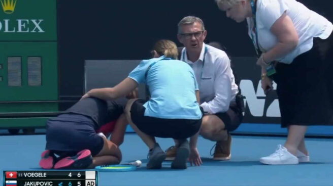 La tenista eslovena Jakupovic tuvo que abandonar su partido porque no podía respirar