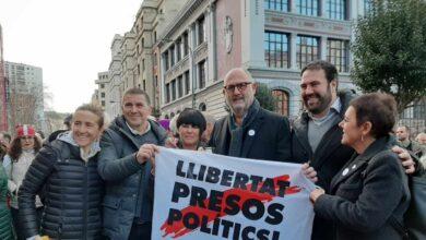 Podemos comparte pancarta con Bildu, ERC y JxCat en apoyo a los presos de ETA