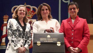 """""""Falsa polémica"""" y """"anécdota"""": dos vicepresidentas en auxilio de Ábalos"""