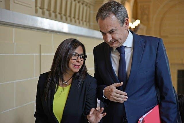 Delcy, la vengadora, y su príncipe Zapatero