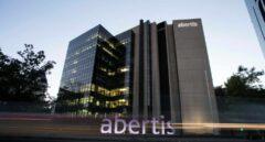 La crisis de Atlantia pasa factura a Abertis y le sitúa al filo del 'bono basura'