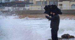 """Ola """"histórica"""" de 6,6 metros en Valencia: el temporal 'golpea' al Mediterráneo"""