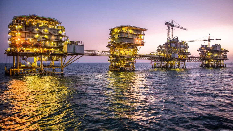 Bajan precios de petróleo y oro tras mensaje de Trump