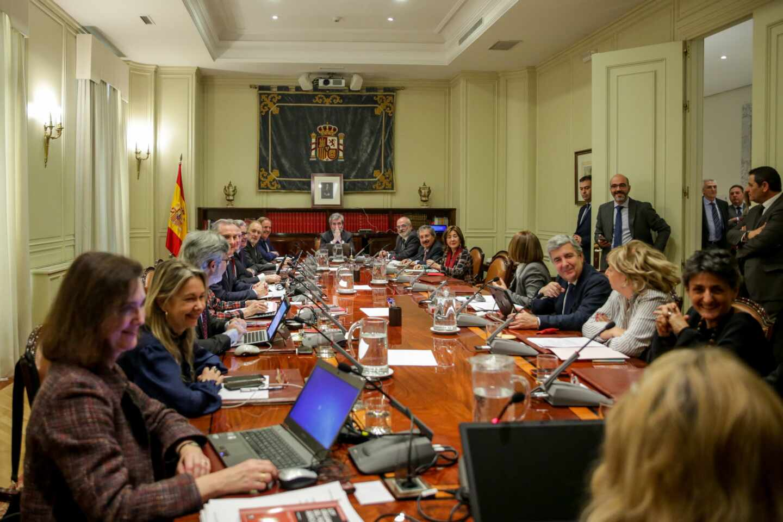 """Jueces afean a Sánchez y Casado el """"lamentable espectáculo de repartirse el CGPJ"""""""