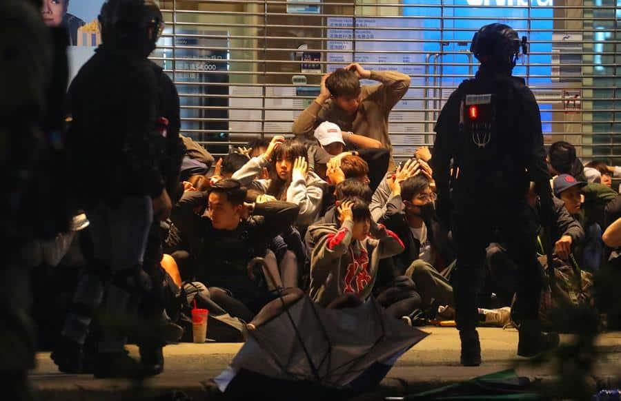La violencia vuelve a Hong Kong: cargas policiales y gas pimienta ante las protestas