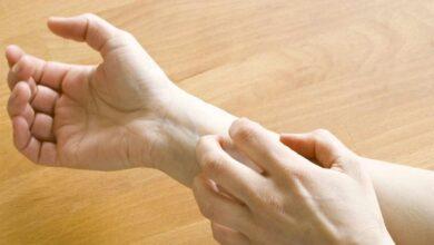 Un estudio revela por qué algunas cremas provocan dermatitis y una posible solución