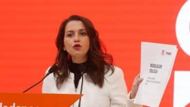 """Arrimadas llamará a los barones del PSOE para que hagan """"recapacitar"""" a Sánchez"""