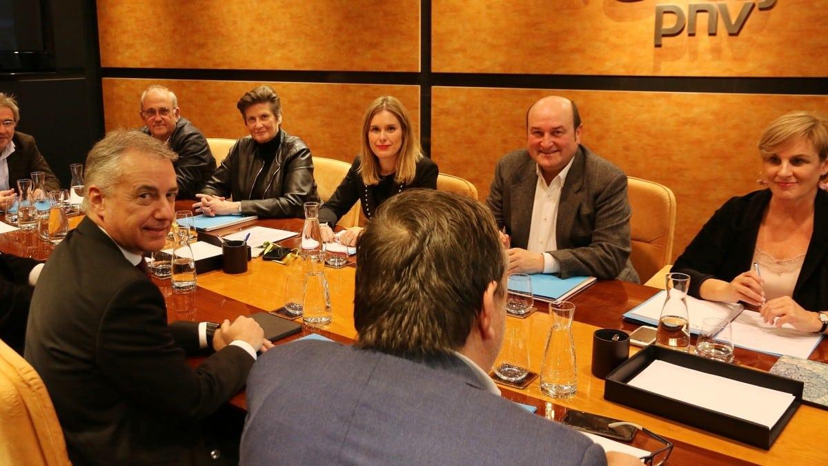 Reunión de la dirección del PNV junto con el lehendakari Iñigo Urkullu.