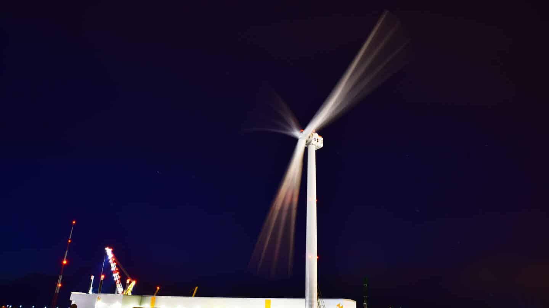Prototipo del aerogenerador Haliade X, de GE Renewable Energy, instalado en el puerto de Rotterdam.