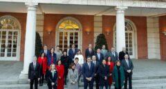 Foto de familia del Gobierno en su primer Consejo de Ministros.
